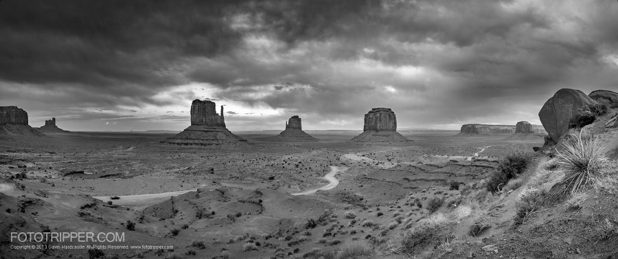 Photoshop Tutorial – How to Make Dramatic Black & White Landscapes